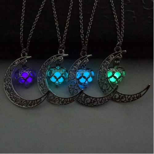 Glowing In The Dark Pendant Necklaces Silver Plated Chain Necklaces Hollow Moon Heart Choker Necklace Collares Jewelry