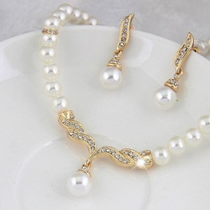 Pearl Rhinestone Necklace Earrings Jewelry Set
