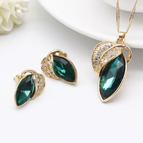 Classy Gold n Green Necklace earring set