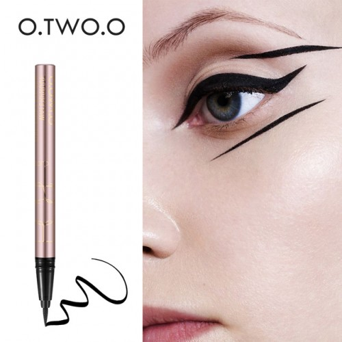O TWO O 1PC NEW Beauty Cat Style Black Long lasting Waterproof Liquid Eyeliner Eye Liner.