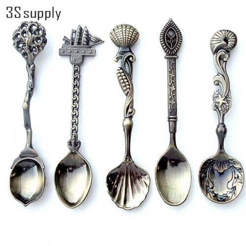 New 5Pcs set Vintage Royal Style Carved Coffee Spoon Novelty Halloween Dinner Spoon Flatware Cutlery Set.jpg 640x640