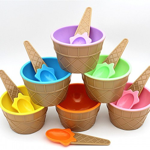 A lovely set of ice cream bowl with a spoon wonderful gift Children love Dessert ice