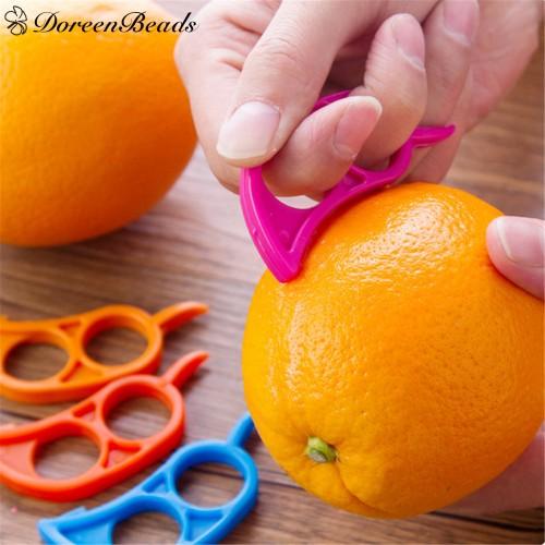 DoreenBeads Plastic Orange Peelers Zesters Lemon Grapefruit Fruit Slicer Opener Cutter Kitchen Gadgets At Random