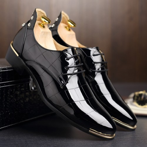 Brand British Style Leather Shoe Man Lace Up Pointed Toe Brogue Shoes Fashion Wedding Shoes Male