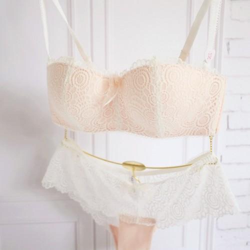 The new romantic lace gather no rims Bra half cup bra underwear thin