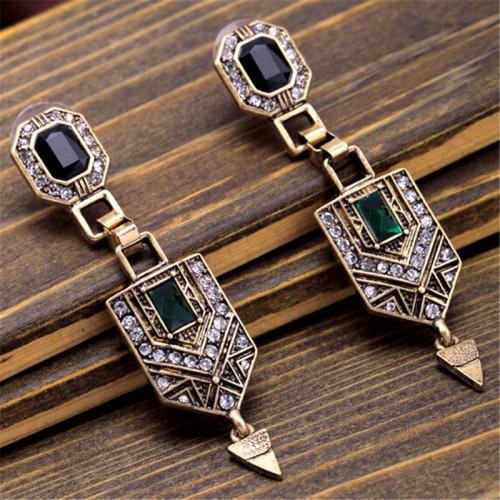 wing yuk tak Brand Vintage Elegant Luxury Beautiful Earrings Fashion Geometric Earrings For Women Charm Jewelry