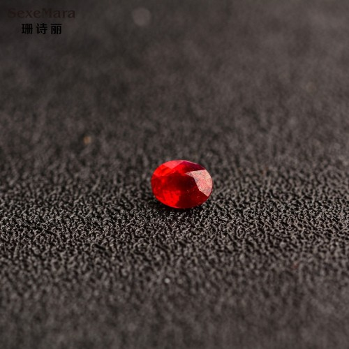 0 94 2 ct carats of pure natural color gemstone from Thailand having professional certification Ruby