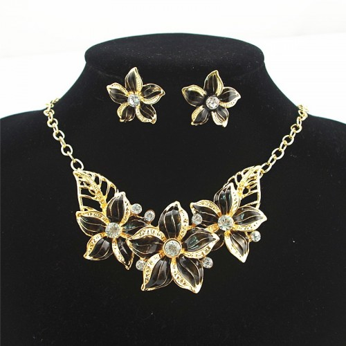 Fashion Jewelry Set Crystal Flower Necklace & Earrings Black