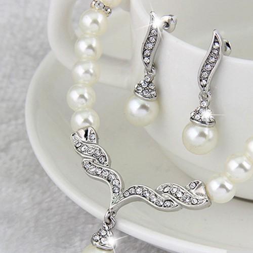 Pearl Rhinestone Necklace Earrings Jewelry Set
