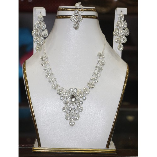 trendy traditional jewelry set 38