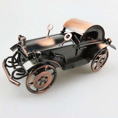 Iron old car ornaments bone-shaker Vintage car Retro and nostalgic window decorations