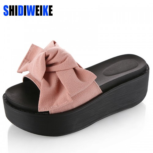 Big Bowtie Woman Beach Flip Flops Summer Sandals Slip Resistant Slippers