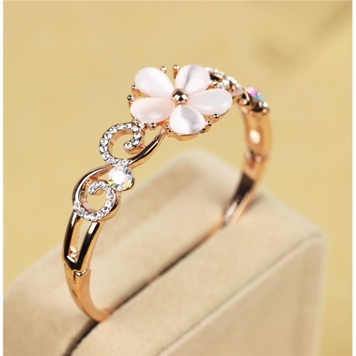 Trendy Opal Flower Bracelet
