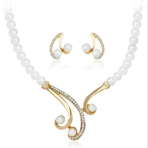 Stylish Pearl Necklace Earring Set