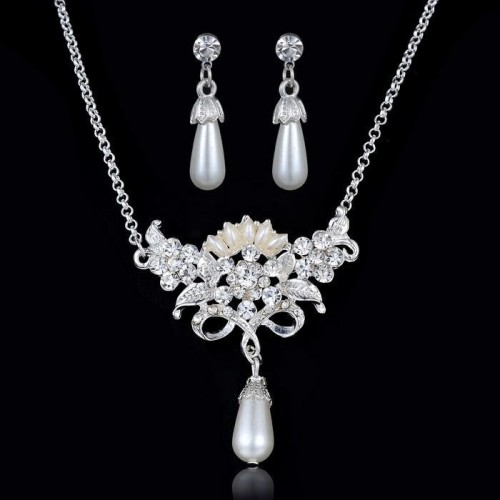 Crystal Rhinestone Necklace Set