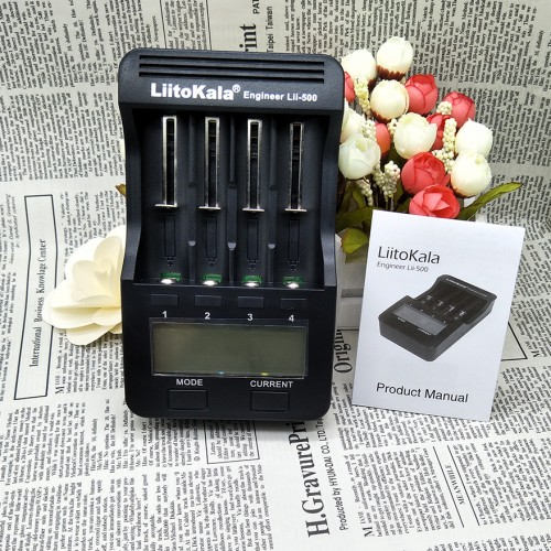 LCD battery charger for smartphones and tablets