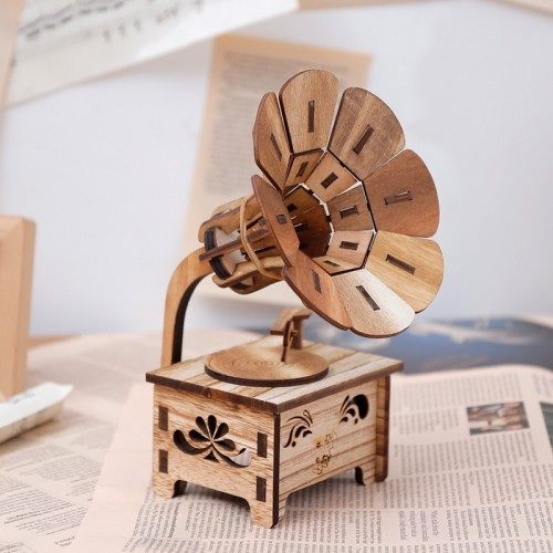 Wooden DIY Phonograph Music Box Hand Crank Music Box Boutique Home Decor Crafts Birthday