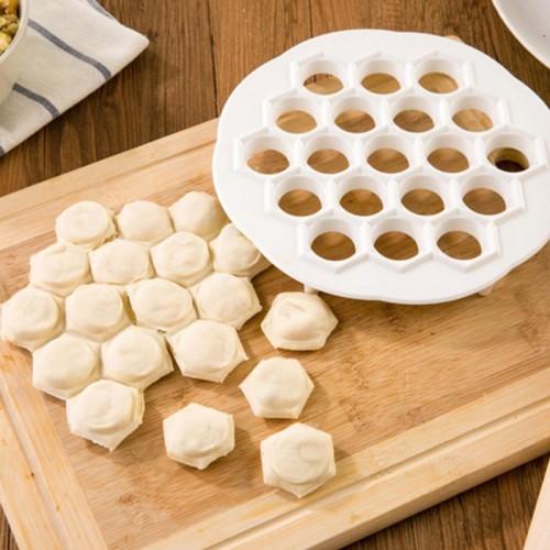 Kitchen DIY Eco Friendly Fast Make Dumplings Tool Jiaozi Machine Pastry Tool plastic 19 Holes Dumplings