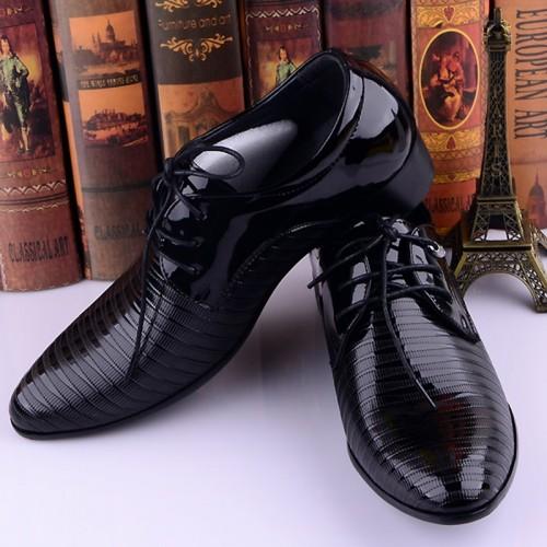 New Fashion Italian Style Men Dress Wedding Shoes Luxury Men s Business Oxfords Casual Flats
