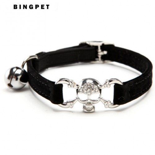 Hot Bling Pirate Skull Velvet Cat Collar Pet Products Charms and accessories and Safety Elastic Belt