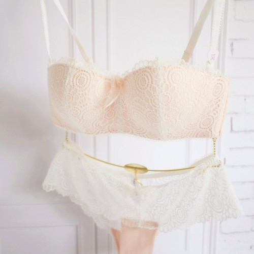 The new romantic lace gather no rims Bra half cup bra underwear thin