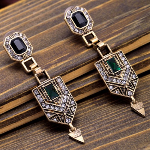 wing yuk tak Brand Vintage Elegant Luxury Beautiful Earrings Fashion Geometric Earrings For Women Charm Jewelry