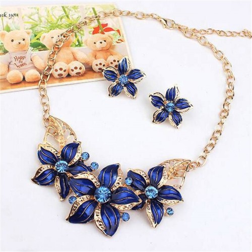Fashion Jewelry Set Crystal Flower Necklace & Earrings