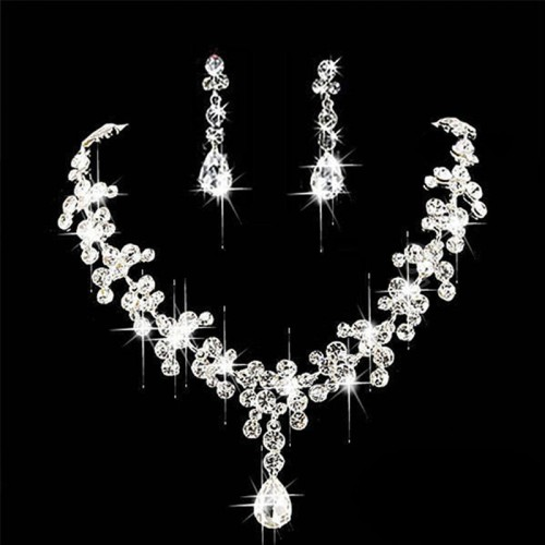 Stunning Crystal Rhinestone Necklace