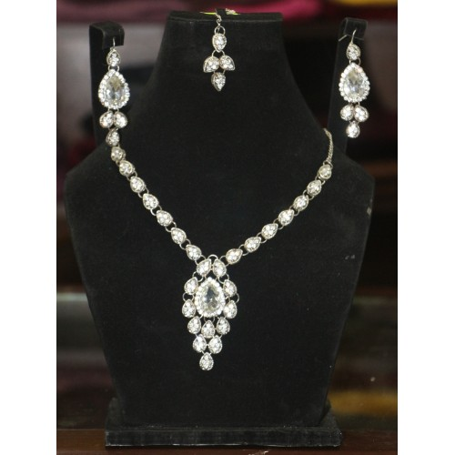 Trendy traditional jewelry set 31