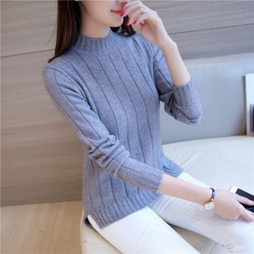 The new women s women s wear a semi turtleneck sweater with a long sleeved knit